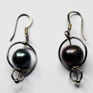 Grey Pearl Earrings - Radiates a peaceful energy. Connecting us to the Sea Magic.