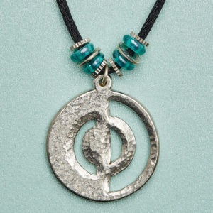 Metal Symbol Metal runs through the earth in veins. Malleable & versatile. Re-enforces & protects us in its orb/sphere/dome symbolic shapes. People with METAL in their charts; need time out, & time alone, to keep their equilibrium. They are generous, helpful & brave.