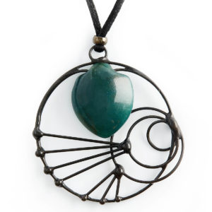 Bloodstone is often viewed as the stone for the 'Spiritual Warrior'. It instils courage & assists one in taking the right actions. The Crop Circles design connects into the wisdom of other planets.