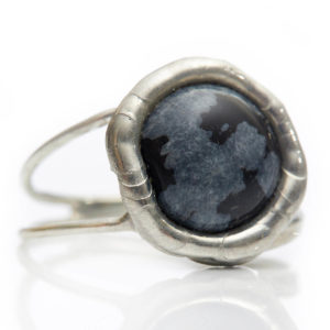 Obsidian Ring - Obsidian protects against negativity. Clears away old belief so we can live in peace & harmony.